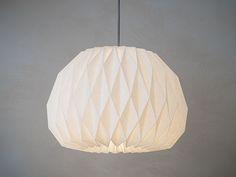 FACING+THE+MOON+++origami+lampshade+from+werkdepot+by+DaWanda.com