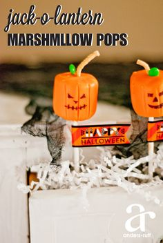 Make these easy NO BAKE Halloween Jack-o-Lantern Pumpkin Marshmallow Pops - for our Grumpy Cat Pumpkin Carving Party! #AndersRuff #Grumpkin