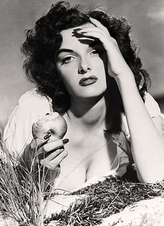 Jane Russell | Famous cinema Old Stars & Celebrities | Classic famous cine #Hollywood #Divas #Films #Movies #Películas