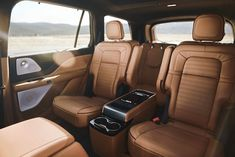 Inspired by themes of aviation, this all-new seven-passenger three-row midsize luxury SUV, blends power and thoughtful luxury to create something remarkable. Lincoln Motor Company, Ford Motor Company, Lincoln Aviator, Mid Size Suv, New Drivers, Civil War Photos, Luxury Suv, Celebrity Travel, Cars
