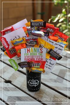 Free Teacher Appreciation printables. I LOVE this candy bouquet.