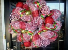 Deco Mesh Wreath .... I will learn how to make these!