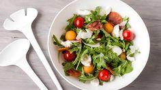 Zomers slaatje met meloen, tomaat en ham | VTM Koken
