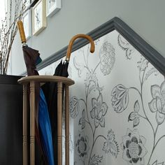 Hallway with floral wallpaper below the dado rail Dado Rail Living Room, Dado Rail Hallway, Trendy Wallpaper, Wallpaper Ideas, Floral Wallpapers, Silver Wallpaper, Striped Wallpaper, Wallpaper Stairs, Bedroom Wallpaper
