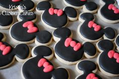Minnie Mouse Decorated Sugar Cookies  www.facebook.com/kristinscustomcakes  www.kristinscustomcakes.blogspot.com