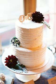 The Fall Wedding Dreams Are Made Of #refinery29  http://www.refinery29.com/100-layer-cake/87#slide20  Cake: Whimsical Bakery. Next: An Elegant Portugal Vineyard Wedding