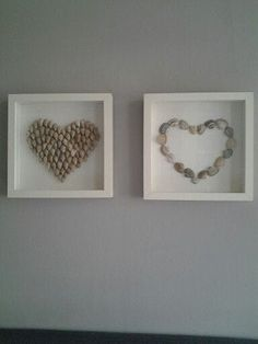 Stone hearts in the Ikea picture frame - DIY - amazing craft Seashell Art, Seashell Crafts, Beach Crafts, Crafts With Seashells, Ikea Photo Frames, Ikea Picture Frame, Stone Crafts, Rock Crafts, Diy Crafts