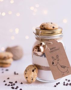 Christmas Time, Merry Christmas, Christmas Gifts, Christmas Decorations, Food Jar, Xmas Food, Jar Gifts, Gift Packaging, Themed Cakes