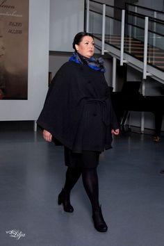 Desiree Cape Lace&Rose Fashion Show in Riihimäki Art Museum Photo: Valokuvaamo Lilja Model: Carita