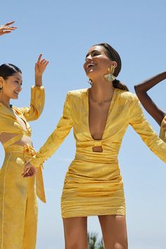 Camila Coelho's New Revolve Collection Is Speaking Our Summer Language Look Fashion, Fashion News, High Fashion, Fashion Design, Classy Outfits, Chic Outfits, Fashion Outfits, Skirt Outfits, Dress With Stockings