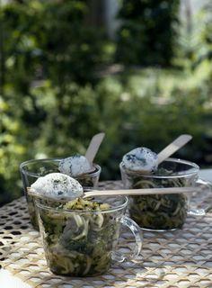 Verrines de courgettes et fromage blanc aux herbes