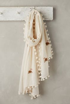Take A Look At This Great Fashion Information! Duppata Style, Anthropologie Wedding, Diy Scarf, Indian Designer Outfits, Embroidered Clothes, Scarf Design, Summer Scarves, Applique Dress, Kurta Designs