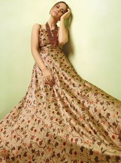 D.NO.-TC-17005 - KARMA TUCUTE VOL 17 KARMA TC-17001 TO TC-17008 SERIES - DStyle Icon Fashion Designer Gowns, Designer Wear, Wedding Gowns Online, Printed Gowns, Party Wear Lehenga, Floor Length Gown, Casual Dresses, Formal Dresses, Lehenga Choli