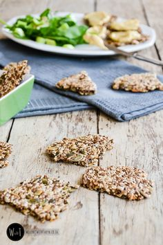 So, while the rest of South Africa is going 'Real Meal Revolution' mad, I thought I'd add my contribution to the' banting' massesand try andwhip up a HFLC gluten-free cracker. Boy oh boy, did I succeed!!! With only a handful of ingredients, and really such an easy assembly, this is one of my easiest, and …