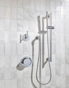 Modern bathroom design feature chrome shower fittings against white marble tile. Gray and white bathroom design, minimalist bathroom design. Minimalist Bathroom Design, Modern Bathroom Design, Bathroom Interior Design, Bath Design, Bathroom Designs, Minimalist Decor, Steam Showers Bathroom, Small Bathroom, Master Bathroom
