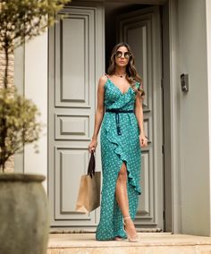 Edgy Dress, I Dress, Casual Dresses, Summer Evening Wear, Sexy Outfits, Fashion Outfits, Beautiful White Dresses, Couture Trends, Beach Gowns
