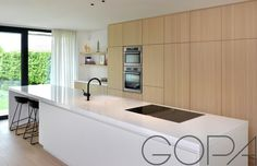Luxury Kitchen Design, Modern House Design, Modern Farmhouse Kitchens, Home Kitchens, Neutral Kitchen, Kitchen Dining Living, Minimalist Kitchen, Cuisines Design, Open Plan Kitchen