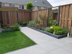 Small garden design 833799318486510054 - Mandy – Ridderkerk – Projecten Source by gjholtrust Modern Backyard, Small Backyard, Modern Garden Design, Low Maintenance Garden Design, Garden Design Layout, Backyard Landscaping Designs, Garden Layout