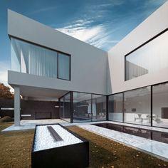Black & White villa | Ftw.nl