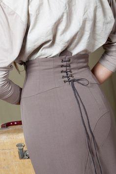 Pencil skirt with high waist