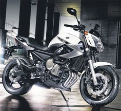 SLEEK: Yamaha's XJ6 Diversion is powerful while not being too big