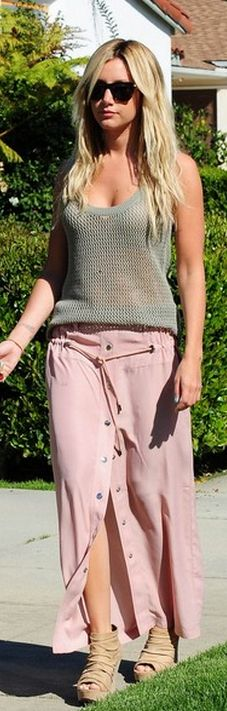 Whomade Ashley Tisdales gray sweater tank top, pink button maxi skirt, and wedge platform sandals?
