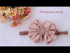 Laço franzido fácil - Poly Formozo - YouTube Easy Hair Bows, Making Hair Bows, Bow Hair Clips, Diy Headband, Baby Headbands, Kanzashi Flowers, Boutique Hair Bows, Diy Bow, Flower Crafts
