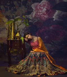 from - How regal does Nada Raja looking at her mehndi in an Ali Xeeshan ensemble with the Pakistani Couture, Pakistani Bridal Dresses, Pakistani Outfits, Bridal Lehenga, Indian Dresses, Silk Lehenga, Indian Bridal Fashion, Indian Wedding Outfits, Bridal Outfits