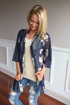 Navy Foral & Lace Kimono – The Pulse Boutique