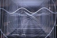 Deze audiovisuele installatie visualiseert de wetenschap van geluid (en het oneindige universum) | The Creators Project