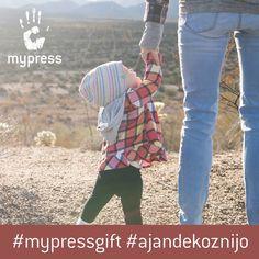 Anya a legnagyobb hős a világon!   mypress.hu/Anyaknak  #mypressgift #egyedi #kulonleges #ajandek #ajandekoznijo #meglepetes #anyaknapja #gift #love #like #print #mothersday #spring