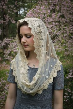 Evintage Veils~ Golden Our Lady of the Lily Embroidered Lace Chapel Veil Mantilla Infinity Veil Arm Sleeve, Catholic Veil, Samantha Images, Henna, Chapel Veil, Muslim Beauty, Embroidered Roses, Color Beige, Purple Hues