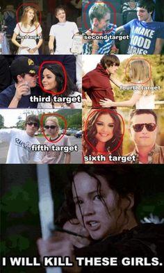 You do it Katniss! You deserve him! Not these girls. Josh Selena dated Justin Bebeir! Hunger Games Jokes, Divergent Hunger Games, Hunger Games Cast, Hunger Games Fandom, Hunger Games Trilogy, Katniss Everdeen, Katniss And Peeta, Jenifer Lawrence, Book Memes