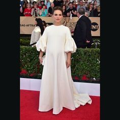 Natalie Portman in @dior #hautecouture and @tiffanyandco jewellery. #SAGawards 2017 #bazaarthailand #harpersbazaarthailand  GETTY  via HARPER'S BAZAAR THAILAND MAGAZINE OFFICIAL INSTAGRAM - Fashion Campaigns  Haute Couture  Advertising  Editorial Photography  Magazine Cover Designs  Supermodels  Runway Models