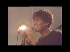 "▶ Paolo Nutini - ""Let Me Down Easy"" [Official Video] [From Paolo Nutini's website - Live version from Paolo's new album 'Caustic Love' - Recorded live at Abbey Road, London] `j"