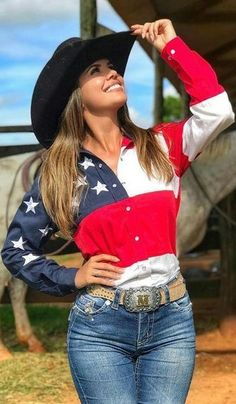 32 Awesome Rodeo Outfits Ideas For Women Hot Country Girls, Country Girl Style, Country Women, Country Fashion, Country Outfits, Cowboy Girl, Sexy Cowgirl, Western Girl, Cowgirl Style