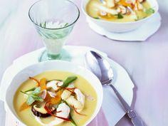 Süßkartoffel-Spargel-Suppe im Asia-Stil mit Hähnchen   Zeit: 30 Min.   http://eatsmarter.de/rezepte/suesskartoffel-spargel-suppe-im-asia-stil-mit-haehnchen