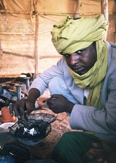 UPAP is an organization of 160 skilled Tuareg silver jewellers and leatherworks seeking new ways to make a living and support their families.