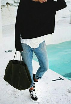 chic street ctyle wearing jeans and converse