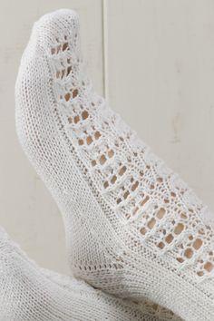 Pitsineule villasukat Novita Nalle | Novita knits Knitting Socks, Fashion, Knit Socks, Moda, Fashion Styles, Fasion