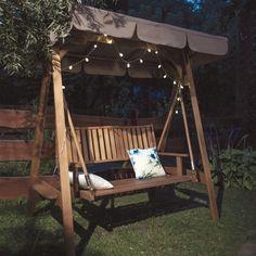 Romantyczna drewniana huśtawka do ogrodu. #design #urządzanie #urząrzaniewnętrz #urządzaniewnętrza #inspiracja #inspiracje #dekoracja #dekoracje #dom #mieszkanie #pokój #aranżacje #aranżacja #aranżacjewnętrz #aranżacjawnętrz #aranżowanie #aranżowaniewnętrz #ozdoby #ogród #ogrody #huśtawka #huśtawki