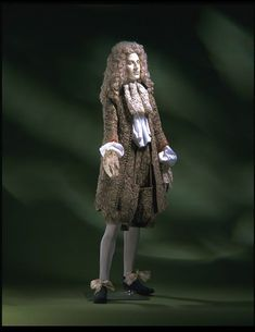 The earliest surviving wedding suit dates from 1673. It belonged to James II & can be seen in Room 56d. #VAMtrivia