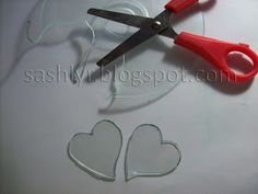 Sashlyr: Art and decoration: Tutorial: How to recycle CDs Cd Crafts, Creative Crafts, Diy And Crafts, Recycled Cds, Recycled Crafts, Crafty Projects, Diy Projects To Try, Cd Recycle, Old Cds