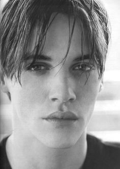 Jonathan Rhys Meyers  GOOD GOD! Look at those lips! I want, I need!