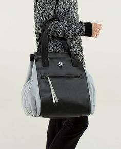 lululemon makes technical athletic clothes for yoga, running, working out, and most other sweaty pursuits. Carry On, Gym Bag, Om, Lululemon, Fitness, Bags, Accessories, Clothes, Fashion