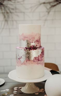 32 Jaw-Dropping Pretty Wedding Cake Ideas - Beautiful drip chocolate on three . - 32 Jaw-Dropping Pretty Wedding Cake Ideas – Beautiful drip chocolate on three … – Wedding Cak - Pretty Wedding Cakes, Beautiful Birthday Cakes, Wedding Cake Designs, Pretty Cakes, Beautiful Cakes, Amazing Cakes, Cake Wedding, Modern Wedding Cakes, Painted Wedding Cake