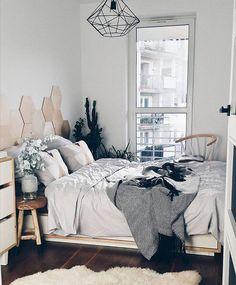 Bedroom with geometric elementd