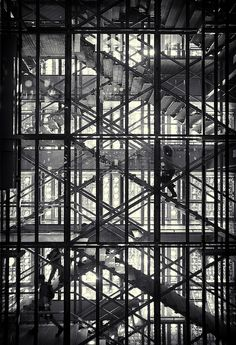 Institut du monde arabe (architect : Jean Nouvel ; photography : Simon Gardiner), in Paris-France.