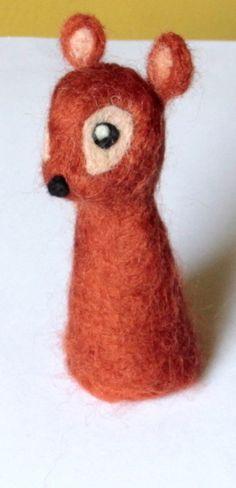 felted deer, fingerpuppet