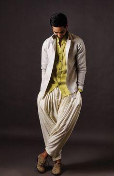 Indian wedding outfits, men style tips, indian men fashion, latest mens fas India Fashion Men, Indian Men Fashion, Mens Fashion, Fashion Outfits, Wedding Dress Men, Indian Wedding Outfits, Mens Club Outfit, Diwali Outfits, Kurta Men
